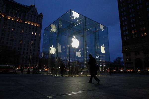 เหยื่อก่อการร้ายหนุนรัฐบีบแอปเปิล เตรียมยื่นศาลบังคับปลดล็อคไอโฟนมือปืน