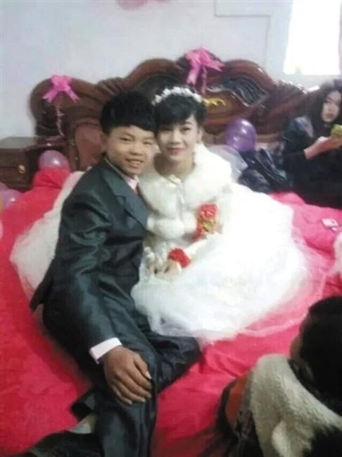 รักใสๆ วัยกระเตาะเมืองจีน จูงมือวิวาห์ แม้เด็กเกินจดทะเบียนสมรส