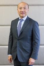 ธีรพงศ์ จันศิริ ประธานกรรมการบริหารและประธานเจ้าหน้าที่บริหารบริษัท