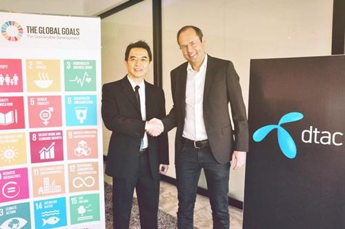 ลาร์ส นอร์ลิ่ง ประธานเจ้าหน้าที่บริหาร ดีแทค ก็เข้าร่วมมือเป็นเครือข่ายการพัฒนาที่ยั่งยืน ตามกรอบของ SDGs ที่องค์การสหประชาชาติส่งเสริมให้สร้างความยั่งยืนทางสังคมและสิ่งแวดล้อมของโลก