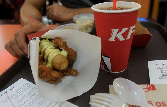 Tibet's first KFC opens for business