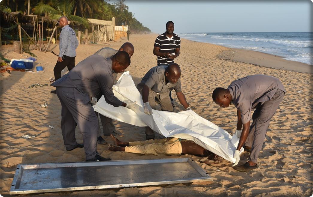 พบมือปืนอัลกออิดะห์นั่งจิบเบียร์บาร์ข้างหาดชื่อดังไอวอรีโคสต์ ก่อนลงมือสังหารไป 18 ศพ