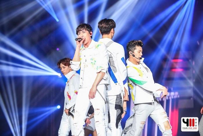 """""""2PM"""" แดนซ์จัดหนักคอนเสิร์ตส่งท้ายก่อนเข้ากรม"""