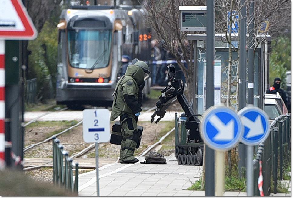 "In Pics & Clips :บรัสเซลส์ล้มเหลว!! ตุรกีแฉต่อ ยุโรปต้องการส่งออก ""พวกมุสลิมหัวรุนแรงของตัวเอง"" ไปซีเรีย หลังพบพลเมืองนอร์เวย์ถือ AK-47 เข้าอิสตันบุลเพื่อญิฮัด"