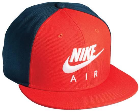 NIKE Cap ราคา 1,000 บาท
