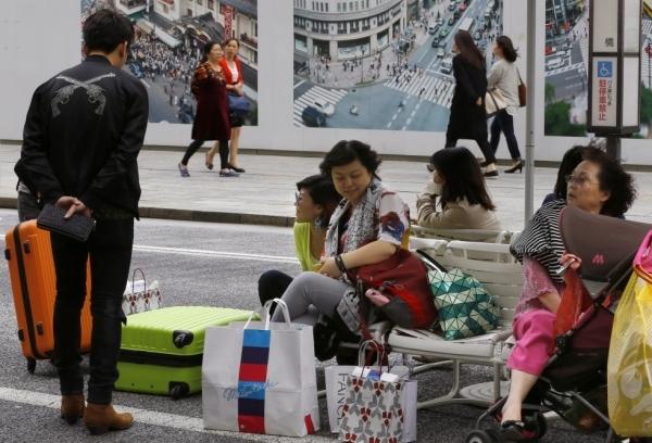 ทัวร์จีนเที่ยวเมืองนอกส่อเค้าชะลอตัว ไม่กระทบภาคโรงแรมและธุรกิจค้าปลีกย่านเอเชีย