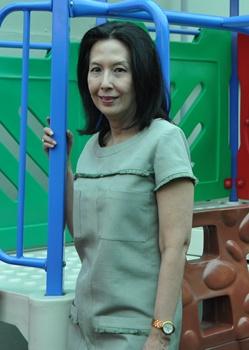 ครูไก่-วิวรรณ ชวนหนูๆ สรงน้ำแบบไทย