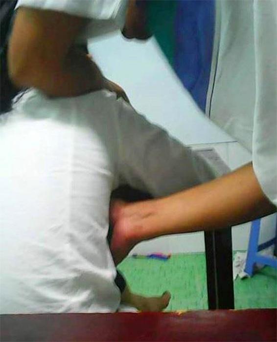 ติวพิเศษ.. ครูเวียดบีบแตรนักเรียนหญิง ภาพปริศนาคาใจแชร์กระฉ่อนว่อนเน็ต