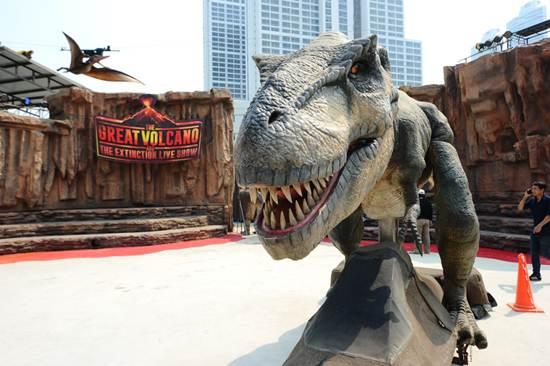 """สงกรานต์นี้ห้ามพลาด เล่นน้ำกับไดโนเสาร์ที่ """"ไดโนซอร์แพลเน็ต"""""""