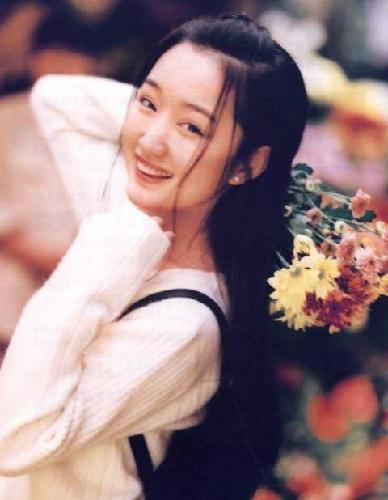 """""""หยัง อี้ว์อิ๋ง"""" ดรุณีหยกแห่งวงการเพลงจีนยุค 90s"""