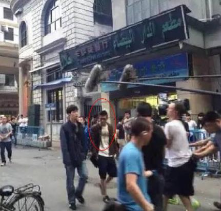 """เขากลับมาแล้ว!! """"เฉินกว้านซี"""" ปรากฏตัวในกองถ่ายหนังที่เมืองจีน"""