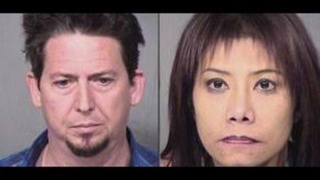 เอริค ดันแฮม (ซ้าย) และพัชรินทร์ โคอิบูชิ (ขวา) 2 ผู้ต้องสงสัยล่อลวงสาวไทยไปขายบริการในสหรัฐฯ