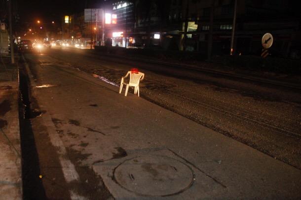 ผู้รับเหมาถนนเมืองแปดริ้วชุ่ย ชาวบ้านสะดุดล้มกันทั้งเมือง