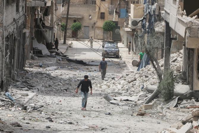 """เลือดนอง """"อเลปโป""""  ซีเรียยังไร้วี่แววหยุดยิง รัฐมนตรี ตปท.มะกัน ขีดเส้นตายปลด """"อัสซาด"""" 1 ส.ค."""