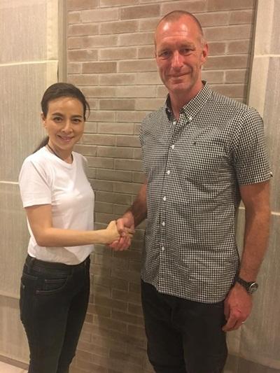 """""""มาดามแป้ง"""" ตั้งอดีตกองหลัง """"เลสเตอร์"""" คุมทีมแข้งสาวไทย"""