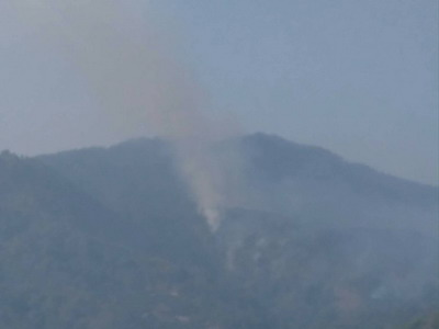 เกิดไฟไหม้ป่าดอยสุเทพซ้ำใกล้จุดเดิมขุนช่างเคี่ยน-ระดม จนท.พร้อม ฮ.เร่งดับ