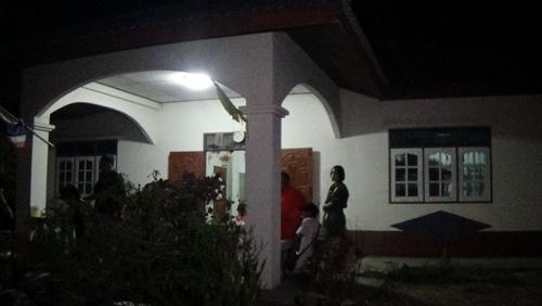 ยิงหัวแม่ค้าพวงมาลัย วัย 57 ปี ดับคาบ้าน