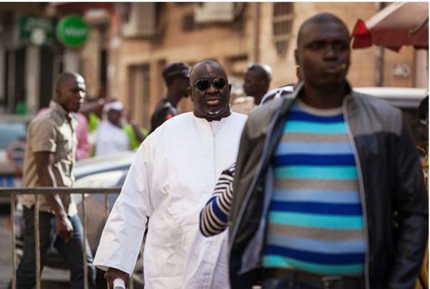 ปาปา มัสสาตา ดิอัก ถูกออกหมายจับจากฝรั่งเศส หนีคดีอยู่ที่เซเนกัล
