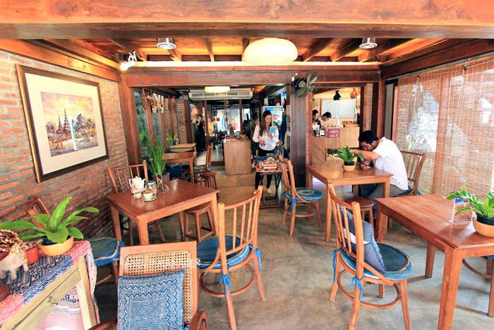 """ร้านกาแฟ """"Gingerbread House Café and Gallery"""" จ.แพร่"""
