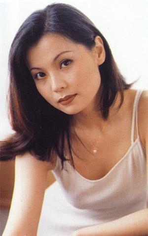 """""""คิดถึงเหลือเกิน"""" บทเพลงเก่าสุดอมตะจากนักร้องหญิง โจว ปิงเชี่ยน(1991)"""