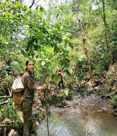 """เอาจริง! """"เชอรี่"""" ร่วมทริปโครงการหลวงลุยผืนป่าน่าน เชื่อธรรมชาติฟื้นฟูได้ถ้าทุกคนลงไม้ลงมือ"""