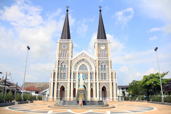 อาสนวิหารพระนางมารีอาปฏิสนธินิรมล โบสถ์คริสต์ที่เก่าแก่และงดงามที่สุดแห่งหนึ่งในไทย