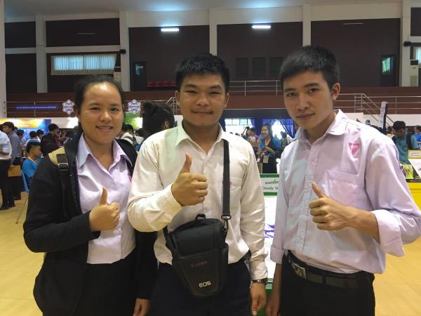 ท้าวโนว่า จันไซ นักศึกษาชั้นปีที่ 2 สาขาฟิสิกส์ คณะศึกษาศาสตร์ มหาวิทยาลัยแห่งชาติลาว (กลาง)