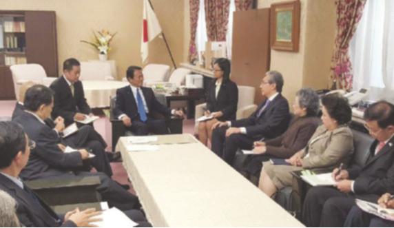 นายสมคิด จาตุศรีพิทักษ์ รองนายกรัฐมนตรี หารือเต็มคณะระหว่างรัฐบาลไทยและญี่ปุ่น ที่กรุงโตเกียว ประเทศญี่ปุ่น เมื่อปีที่ผ่านมา