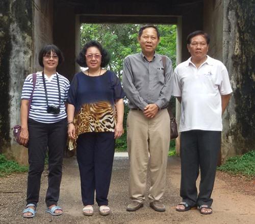 จากซ้าย : รศ.ดร.กฤษณา หงส์อุเทน,ผศ.ดร.เจษฎาวรรณ วิจิตรเวชการ,รองศาสตราจารย์ชูวิทย์ สุจฉายา และอาจารย์กามนิต ดิเรกศิลป์