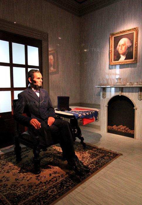 หุ่นชุดบุคคลสำคัญของโลก ประธานาธิบดีอับราฮัม ลินคอล์น