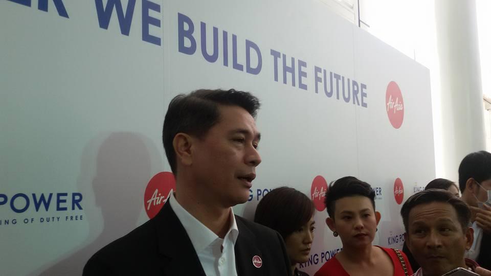 นายธรรศพลฐ์ แบเลเว็ลด์ ประธานเจ้าหน้าที่บริหาร สายการบินไทยแอร์เอเชีย