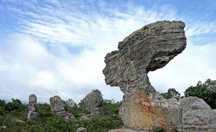 หินเรดาร์ กับรูปลักษณ์อันโดดเด่นเป็นเอกลักษณ์แห่งลานหินงาม