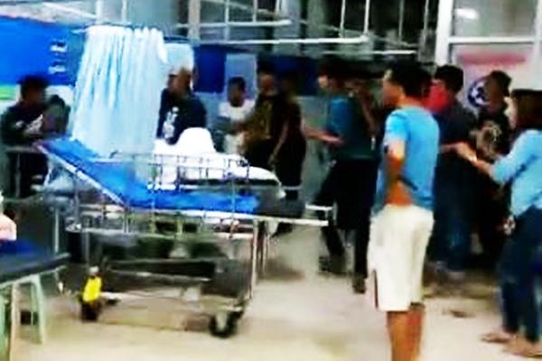 รู้ตัวแล้ว! กลุ่มวัยรุ่นก่อเหตุตะลุมบอนในห้องฉุกเฉินโรงพยาบาลที่ชุมพร