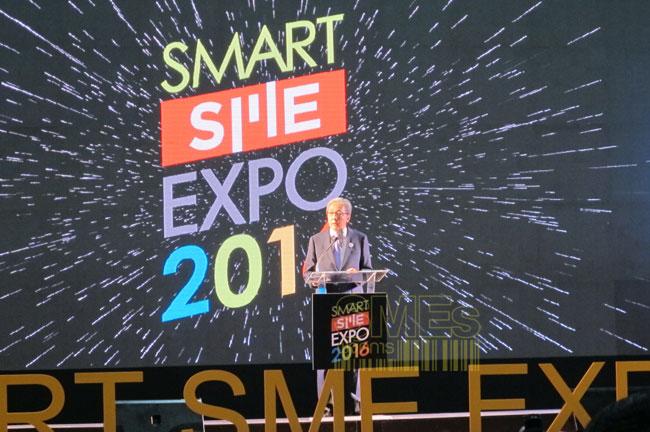 """""""สมคิด"""" จี้ทุกส่วนสร้างโอกาส SMEs พร้อมดันกองทุนปลุกชีพธุรกิจติดบัญชีดำ"""