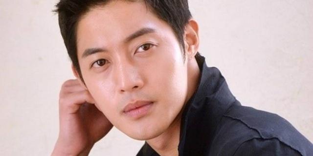 """เพื่อนฝ่ายหญิงเผย """"คิมฮยอนจุง"""" ซ้อมแฟนสาวหลังโดนขอเลิก และถูกจับได้ว่านอนกับสาวบาร์"""
