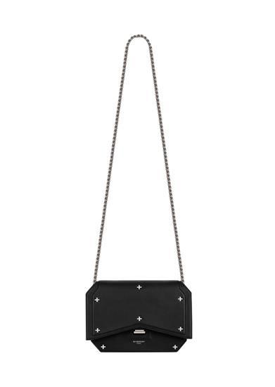 กระเป๋าใบจิ๋วประดับเมทัลลิก จาก Givenchy