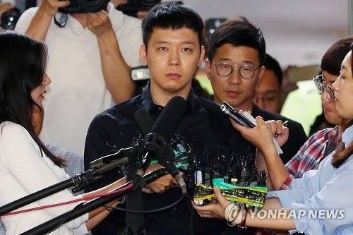 """ไม่จบไม่สิ้น!? ตำรวจเตรียมสอบประเด็น """"ยูชอน"""" ซื้อบริการทางเพศแล้วเบี้ยวเงินฝ่ายหญิง"""