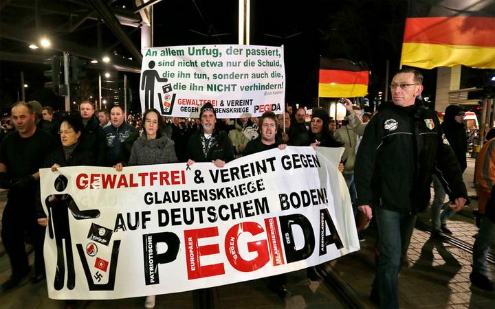 """ขบวนการต้านมุสลิม-ผู้อพยพ PEGIDA ในเยอรมนีเตรียมก่อตั้ง """"พรรคการเมือง"""""""