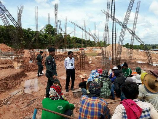 รวบ 28 แรงงานต่างด้าวลอบทำงานก่อสร้างในนครพนม