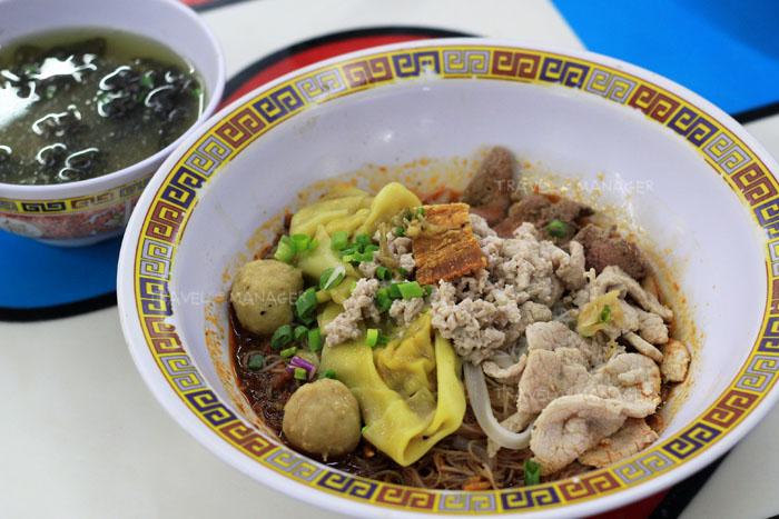 """จิ๋วแต่แจ๋ว """"Hill Street Tai Hwa Pork Noodle"""" ความอร่อยระดับมิชลินสตาร์"""