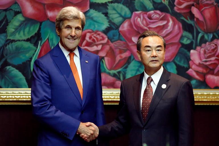 """""""หวัง อี้"""" จีบสหรัฐฯ เป็นกาวใจฟื้นเจรจาปัญหาทะเลจีนใต้กับ """"ฟิลิปปินส์"""" พร้อมปราม """"ญี่ปุ่น"""" อย่าแทรกแซง"""