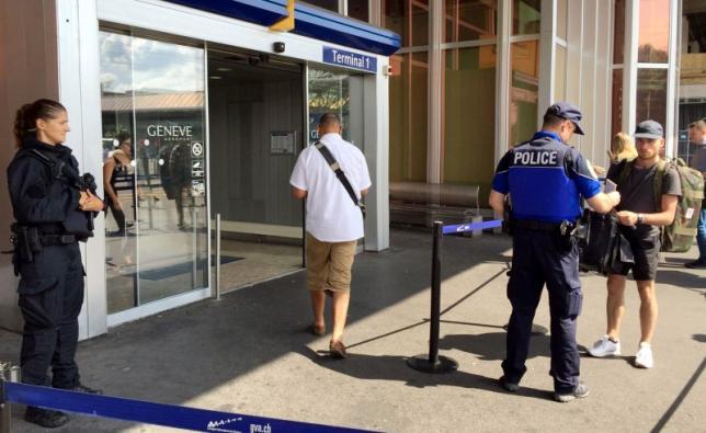 """ตร.สวิสวางกำลังเข้ม """"สนามบินเจนีวา"""" หลังฝรั่งเศสเตือนมีคนขู่บึ้ม"""