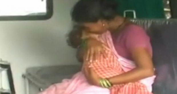 ทารกน้อยถูกปล่อยให้เสียชีวิต เพราะพ่อแม่ไม่มีเงินจ่ายเงินใต้โต๊ะตามที่ จนท.โรงพยาบาลอินเดียเรียกร้อง