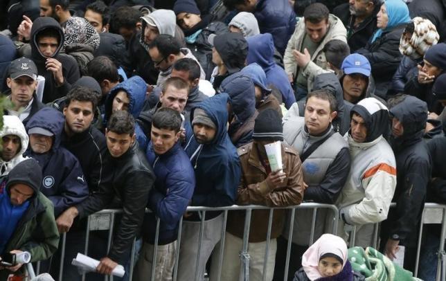 ข้อมูลล่าสุดชี้ ยอดผู้อพยพไหลทะลักเข้าเยอรมนี อาจพุ่งสูงถึง 400,000 ราย ก่อนสิ้นปีนี้