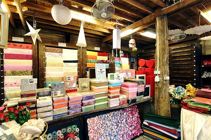 ผลิตภัณฑ์กระดาษสาหลากหลายที่จินนาลักษณ์กระดาษสา