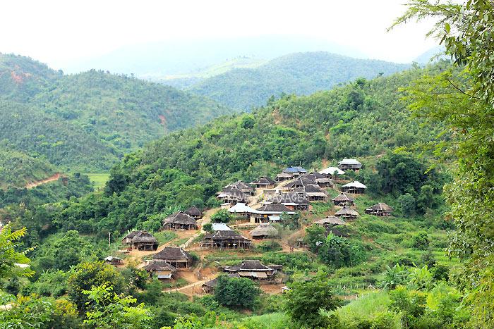 นอกเมืองเชียงตุงมีวิถีชนบทในหลากหลายหมู่บ้านให้เที่ยวชมกัน