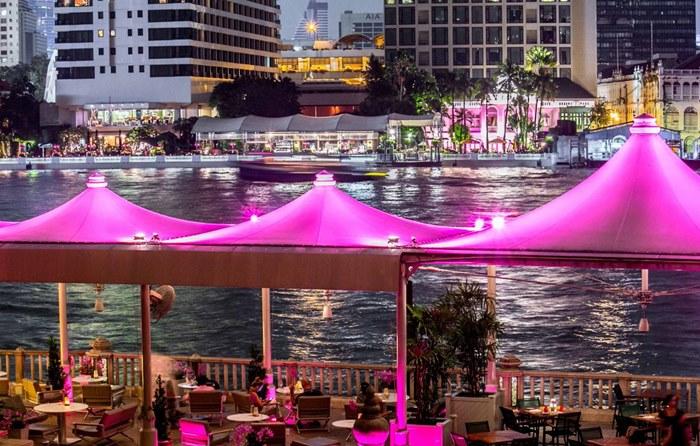 วิวริมฝั่งแม่น้ำจากโรงแรมเพนนินซูล่า กรุงเทพฯ