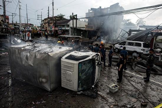 Fatalities in Philippine fireworks blaze: mayor
