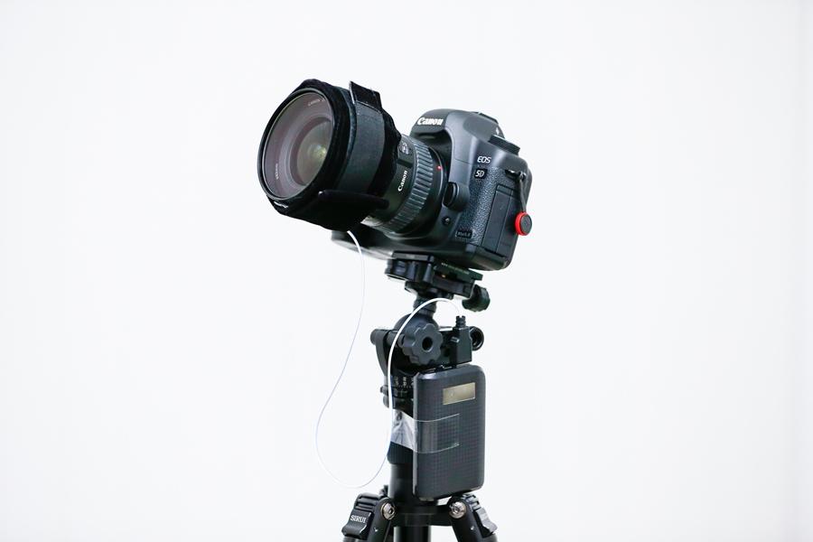 แถบความร้อนสำหรับกันฝ้าหน้ากล้อง ที่ทำขึ้นจากตัวต้านทานขนาด 100 โอห์ม จำนวน 30 ตัว ที่สามารถใช้กับ Power Bank ได้