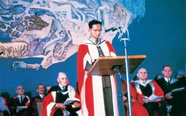สมเด็จพระนางเจ้าฯ ทรงพระราชนิพนธ์ ในหลวง ก็เคยถูกชาวออสเตรเลียทำไร้มารยาท